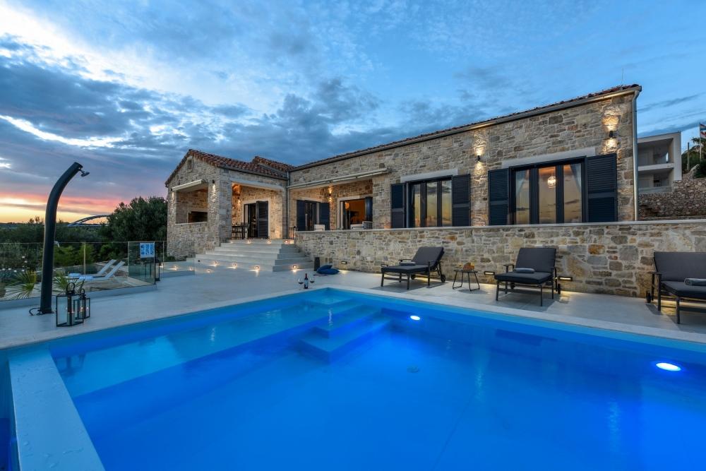 Villa Proversa / Croatia Luxury Rent