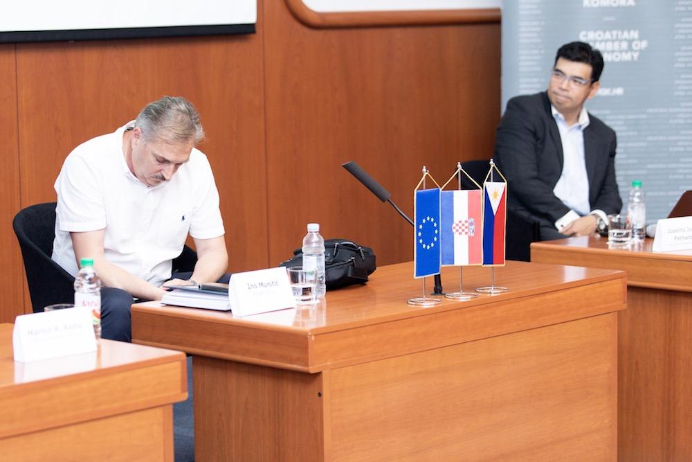 Prezentacija o načinima i mogućnostima dovođenja filipinske radne snage u HGK-ŽK Split | Foto: Milan Šabić