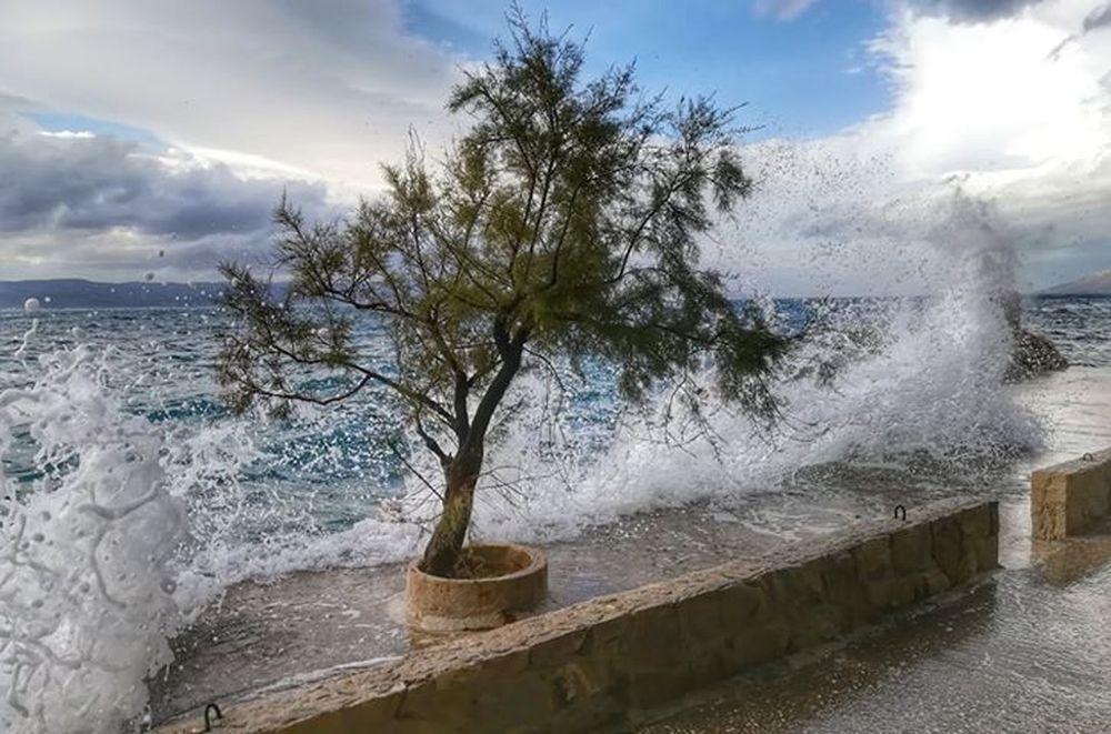 Brela valovi | Foto: Dragan Bekavac Ivandić