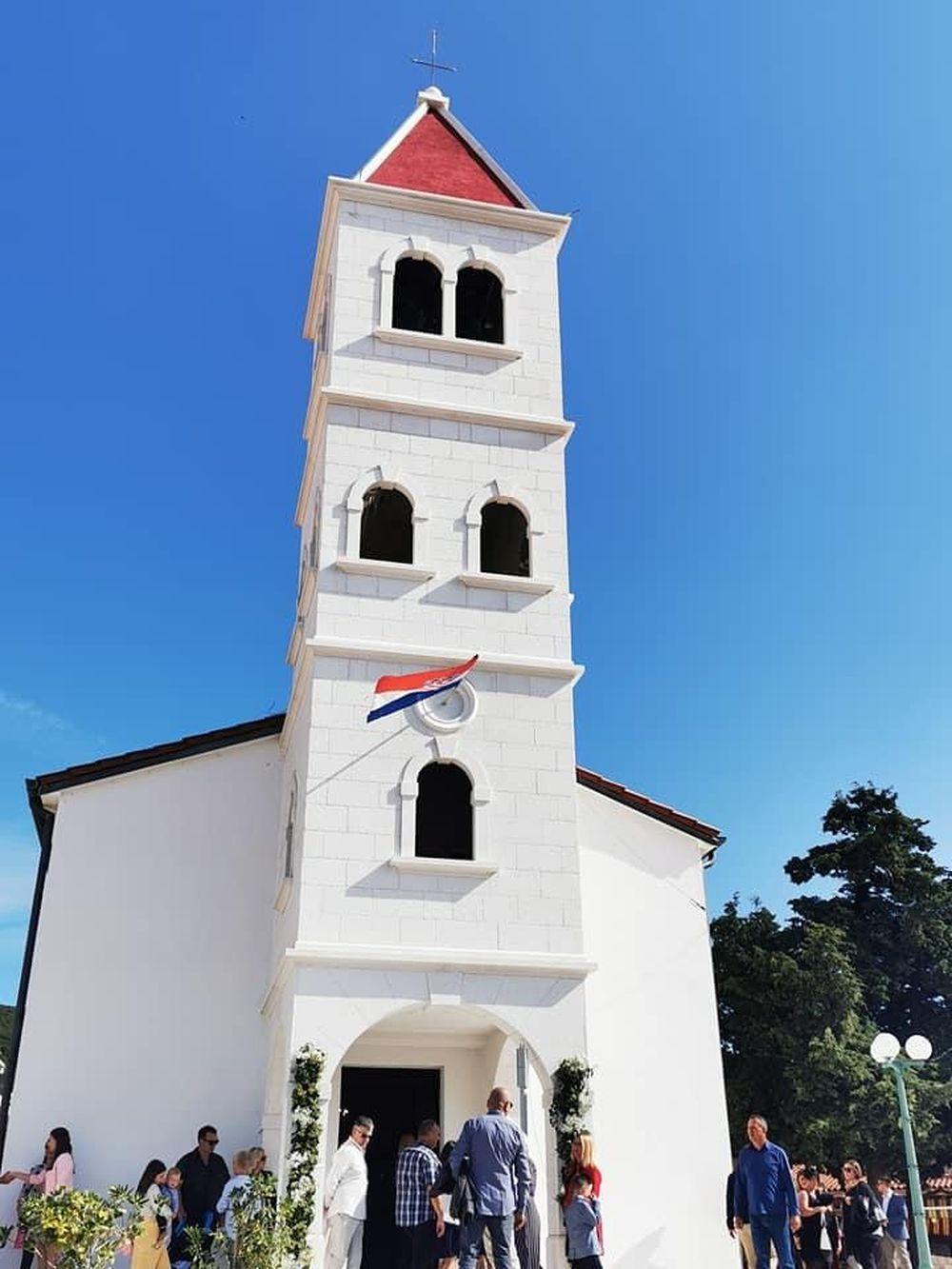 Blagoslovljen zvonik u Kolanu na otoku Pagu