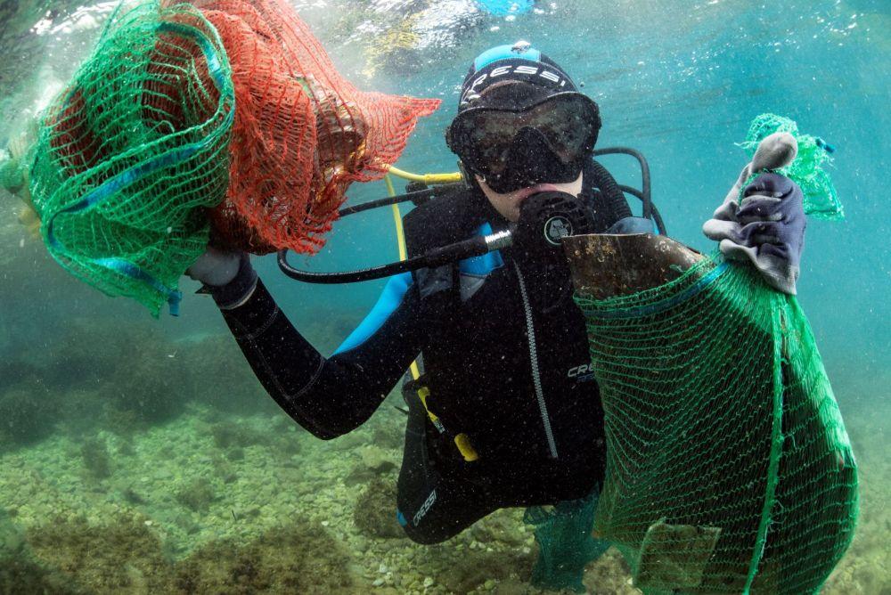 UPA ROSTRUM S morskog dna ronioci izvukli čak 50 kubika otpada s više od 400 automobilskih guma i drugog otpada