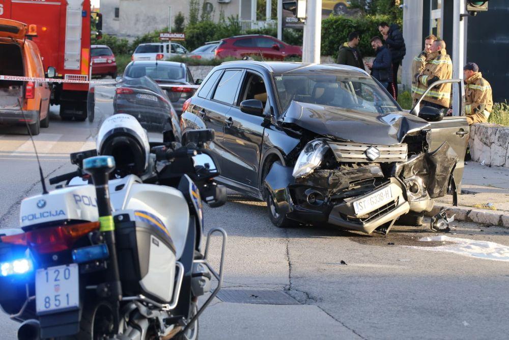 Sudar dva auta na križanju u Splitu
