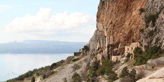 Povijest makarskih utvrda: Turci su odustali od opsade kada su vidjeli da ih žena gađa sirom