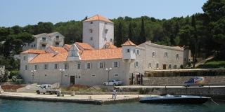 Šoltani su se utvrdama branili od gusara i Turaka, a Martinis-Marchi je najljepši dvorac na dalmatinskim otocima
