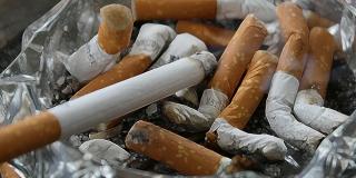 Danas poskupljuju cigarete, alkohol i sokovi