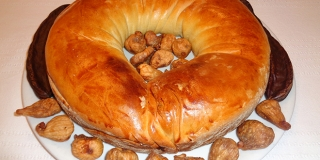 Dalmatinski kolač ol rogača i suhih smokav