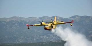 Kanader i airtractor gasili požar na Braču