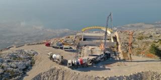 MILIJUNSKI POGLED Dio jedinstvenog vidikovca na liticama Biokova je i CEMEX-ov beton, pogledajte kako napreduju radovi