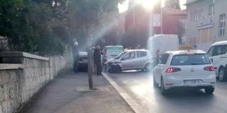 PROMETNA U VUKOVARSKOJ Zabio se u parkirano vozilo