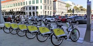 SPLIĆANI ODUŠEVLJENI GRADSKIM BICIKLIMA 'Usluga je odlična, ovo je idealan način transporta u gradu'