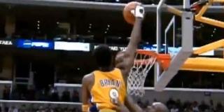 Lakersi su odlučili zatražiti odgodu utakmice od vodstva lige, a suglasnost za to su dali i Clippersi