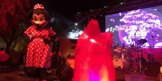UŽIVO 'SPLITSKI KRNJEVAL': Večer je započela rasplesano uz predstavljanje maski