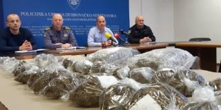 Policija uhvatila trojicu s više četiri kilograma marihuane, a pao je provalnik koji je krao novac i tehniku