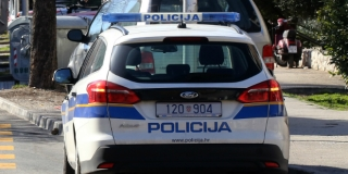 POMAHNITAO Ženi oštetio auto, a muškarca teško ozlijedio