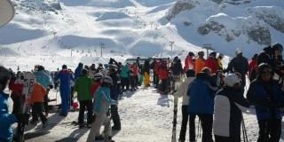 Do 1.200 zaraženih koronavirusom povezano s austrijskim skijalištem