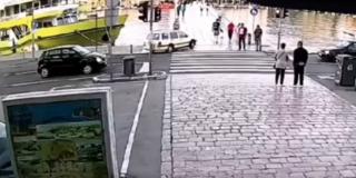 OBJAVLJENA SNIMKA Prošao kroz crveno i krenuo preko pješačkog mosta u Zadru