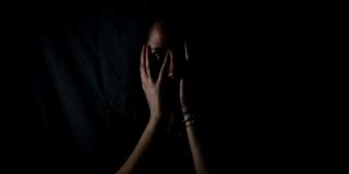 Šokantno ubojstvo: Lopovi zadavili mladu majku pred djetetom