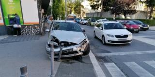 NESREĆA U CENTRU SPLITA Zabio se u dva parkirana auta