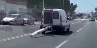 VIDEO Kako prevesti cijev koja je dva puta dulja od vozila