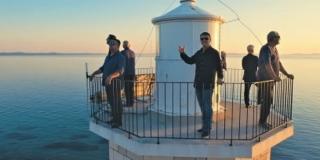 VIDEO Objavljen spot za pjesmu s kojom će Tomislav Bralić i klapa Intrade nastupiti na Splitskom festivalu