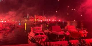 TOČNO U PONOĆ Pogledajte spektakularnu bakljadu Torcide u Pirovcu