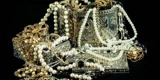 OBITELJ U AKCIJI Majka i kćeri na ljetovanju prijavljene za krađu nakita