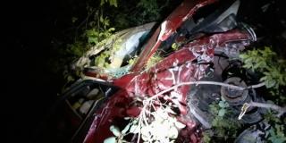 TEŠKA NESREĆA KRAJ KNINA: Automobilom sletjeli u provaliju, dva mladića se bore za život