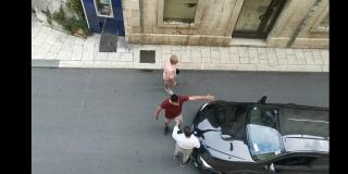 IVOŠEVIĆ U AKCIJI Pogledajte kako disciplinira vozača BMW-a u pješačkoj zoni, policije nigdje