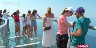 Skywalk, nebeska šetnica na Biokovu, najveća turistička atrakcija ovog ljeta