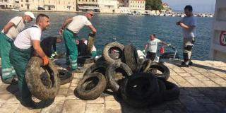 Najveća do sada eko akcija čišćenja uvala u Jelsi, Vrboskoj i Zavali
