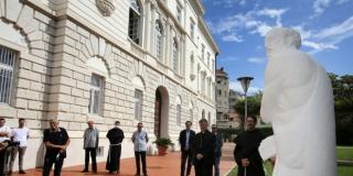 FOTOGALERIJA Kip sv. Jeronima predstavljen u dvorištu Biskupove palače u Splitu, priprema se za put u Svetu Zemlju
