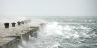 PRIPREMITE SE NA POPLAVE: Sutra će nova ciklona 'zaliti' Dalmaciju