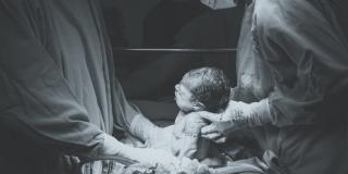 Rodila Covid pozitivna majka, beba nema koronu
