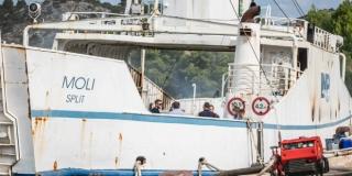 ZAVRŠEN OČEVID Podmetnut požar na starom trajektu koji je planuo na vezu bivšeg TEF-a