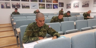 Specijalistička vojna obuka zrakoplovnih tehničara