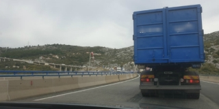 Pokvario se kamion na brzoj cesti Solin-Klis