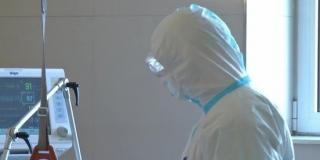 DETALJI BIJEGA SA ZARAZNE: Skinuo je masku s lica, otkopčao se s monitora, izvadio kanilu i izašao kroz balkon