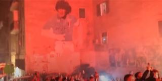 VIDEO: Napulj odaje počast Maradoni, a stadion će vjerojatno nositi njegovo ime