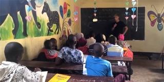 Usred korone mladi Hvaranin otišao u Tanzaniju pomagati siromašnoj djeci, skuplja za obnovu škole u Ashuri