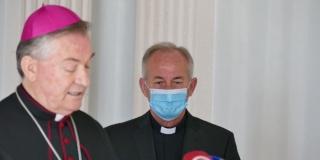 FOTOGALERIJA Nadbiskup Barišić objavio imenovanje novog hvarskog biskupa, pogledajte kako je bilo
