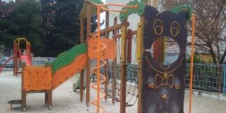 FOTOGALERIJA Obnovljeno igralište na Plokitama, ali stanari nisu zadovoljni