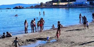 FOTOGALERIJA Sunčanje, kupanje i uživanje na Bačvicama, Kašjunima i Rivi