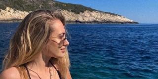 BEZ ŠMINKE I U KUPAĆEM KOSTIMU Albini poručili 'Baš, baš najljepša'