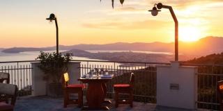 Okusi tradicionalne dalmatinske 'spize' s pogledom na Split koji oduzima dah