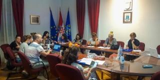 ZAŽELI Deset žena brinut će se o starijim mještanima bračke općine Selca