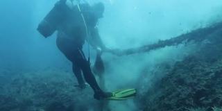 LASTOVO Tona starih ribarskih mreža izvađena iz podmorja
