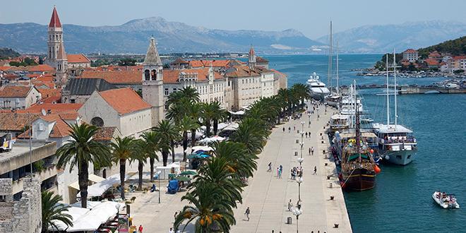 Mladež HDZ-a Trogir traži od gradonačelnika da iz svog džepa plati troškove zbog nezakonitog otkaza
