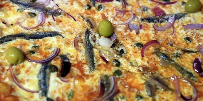 Fast food Lily poziva na najbolje i najpovoljnije pizze, sendviče, grill, palačinke...