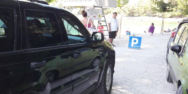 Zaštitar na Kašjunima izazvao bijes vozača, koncesionar Dolić poručuje da samo uvodi red