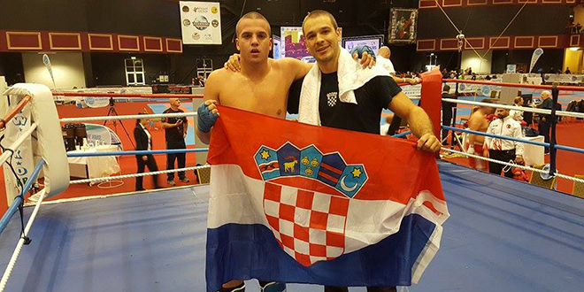 Siromašna ima svjetskog prvaka: Hrvoje Ujević osvojio zlatnu medalju u kickboxingu